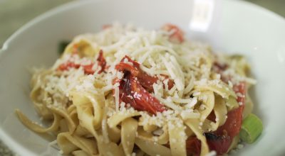 VVM Recipe: Garlic and Red Bell Pepper Pasta