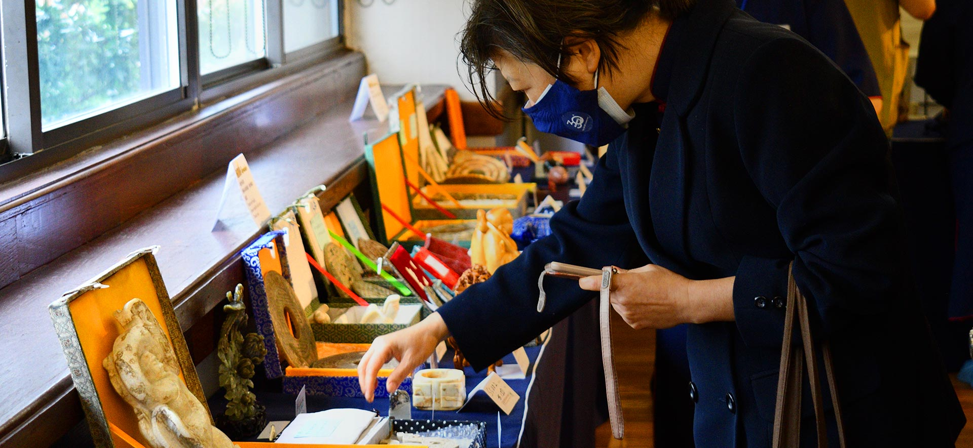 Bidding for Good: Tzu Chi NY Hosts a Charity Art Auction
